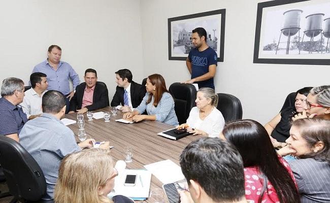 Deputado Maurão intercede para que associações sejam beneficiadas
