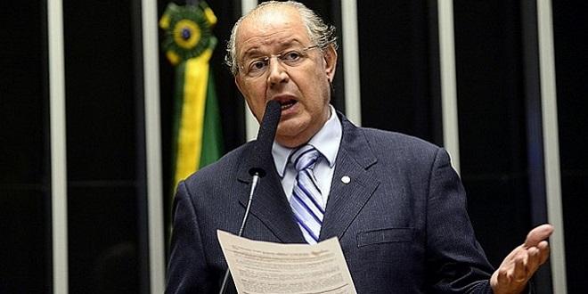 Como Dilma não tem vergonha na cara, vai ter de sair por impeachment, diz deputado