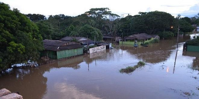 Cidade de Rondônia sofre com enchente e mais de 150 famílias estão desabrigadas