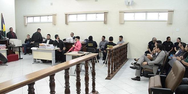 Caso Naiara: Tribunal está lotado e juiz proíbe imagens