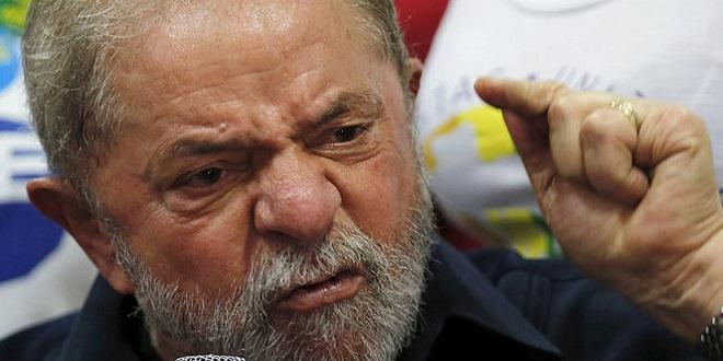 Papéis de estatais despencam após rumores de Lula em ministério