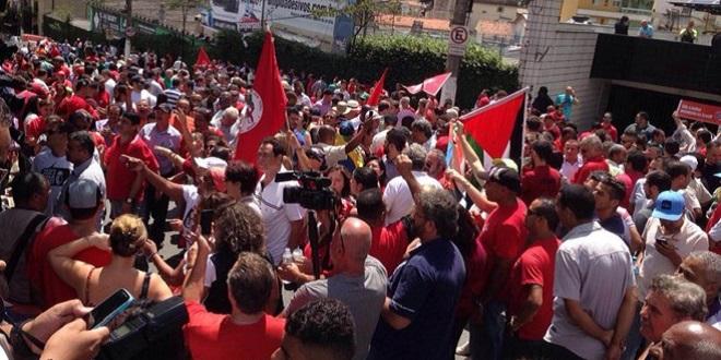 Prisão intensificará atos pró-Lula; militância não descarta protesto no domingo
