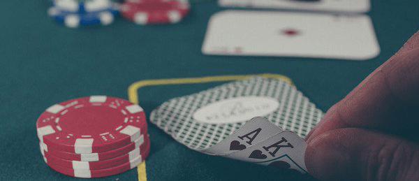 Torneios de pôquer são atividades legais, decide justiça federal