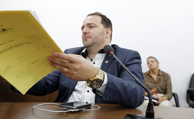 Alex Redano defende reserva de vagas às pessoas com deficiência