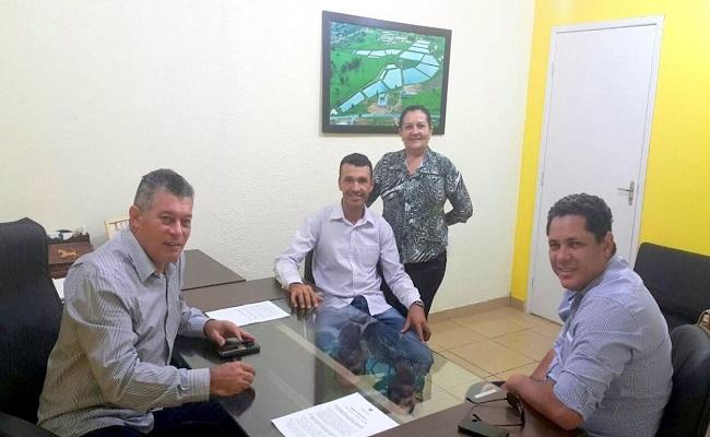 Deputado Edson Martins destina emenda de 130 mil para aquisição de veículo no município de Theobroma.