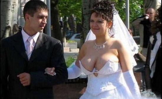 Vai casar? Veja uma compilação dos piores vestidos de noiva do mundo