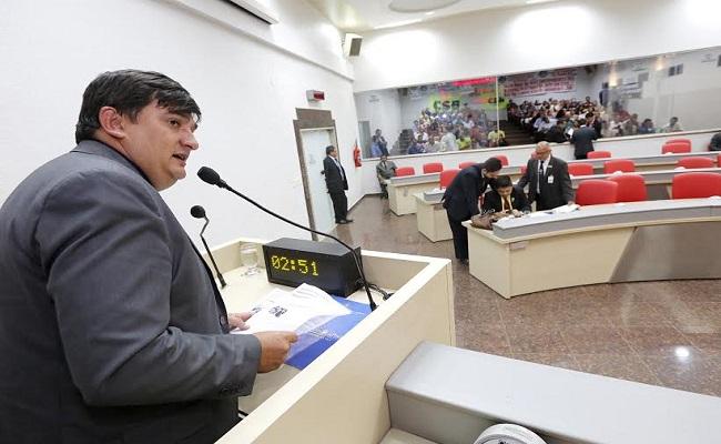 Cleiton Roque ressalta sanção do projeto Floresta Plantada