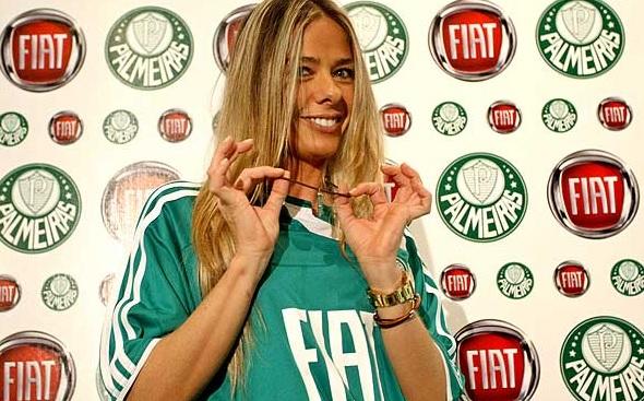 Adriana Galisteu promete striptease na TV se Palmeiras for campeão