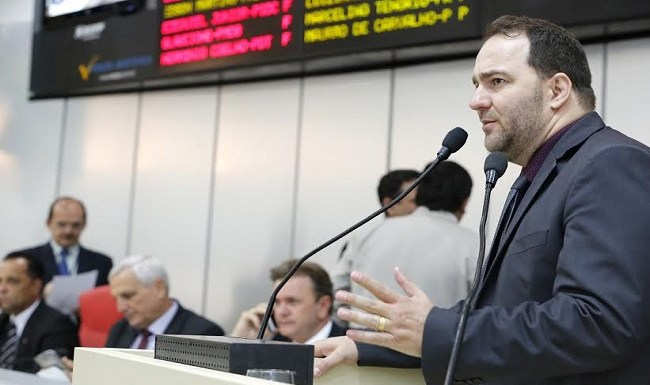 Deputado Alex Redano requer Moção de Aplauso à Igreja Adventista