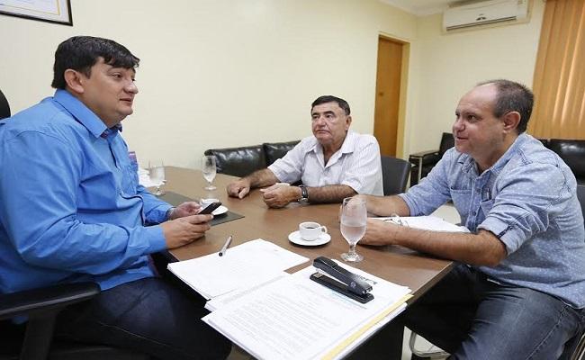 Cleiton Roque recebe prefeito de Primavera do Oeste