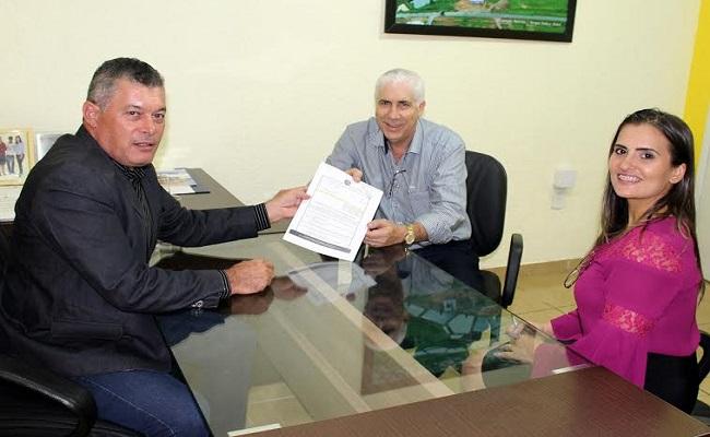 Prefeito de Cerejeiras agradece a Edson Martins pela emenda de R$ 65 mil