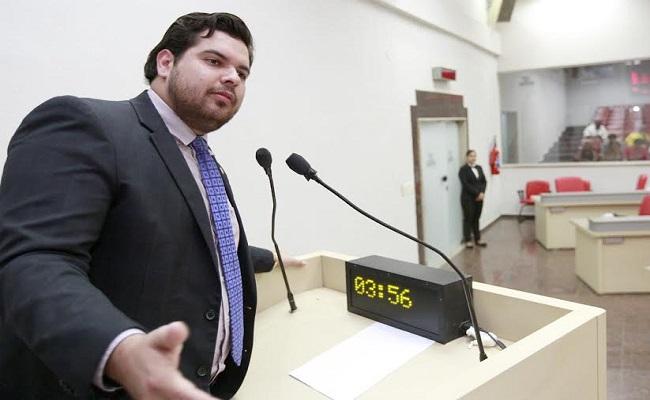 Jean Oliveira é o novo líder do PMDB na Assembleia