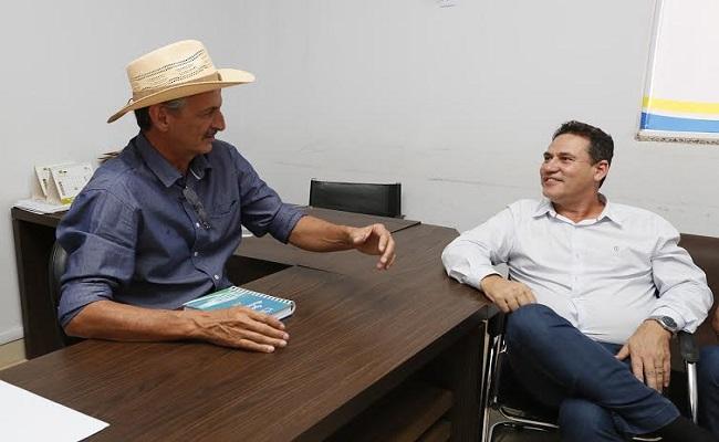 Maurão ouve Prefeito de Jaru que relata desafios e ações para resgatar finanças do município