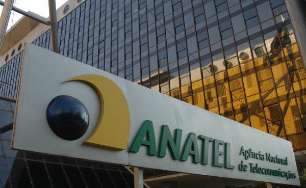 Justiça anula cobrança de R$ 840 milhões da Anatel contra a Oi