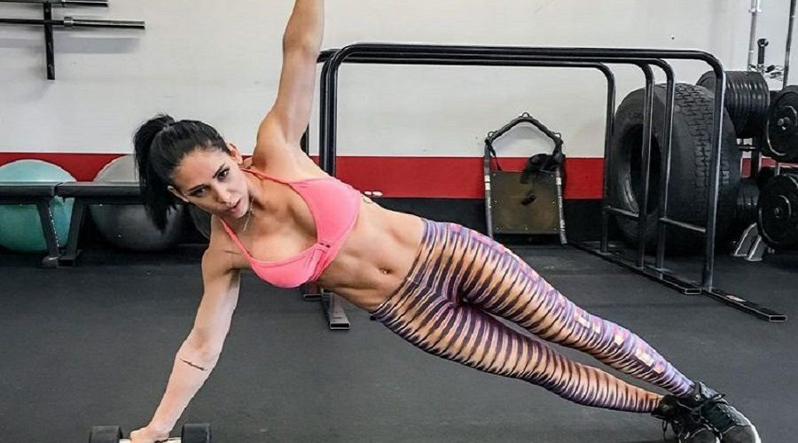 Musa fitness Bella Falconi é processada nos EUA por formação de quadrilha e roubo