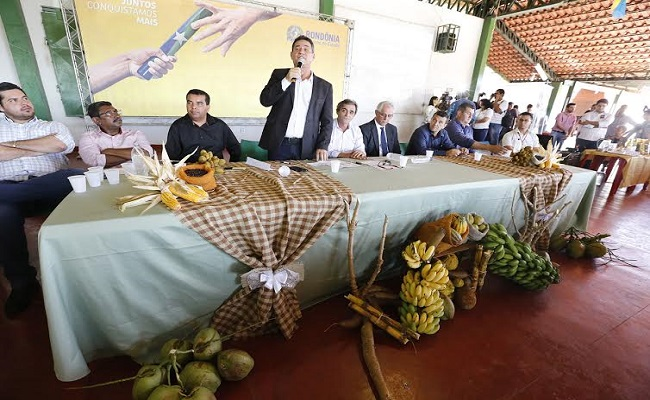 Maurão prestigia liberação de financiamentos para produtores rurais