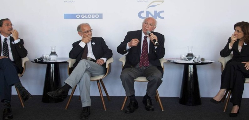 Mudar CLT vai ajudar o país a crescer