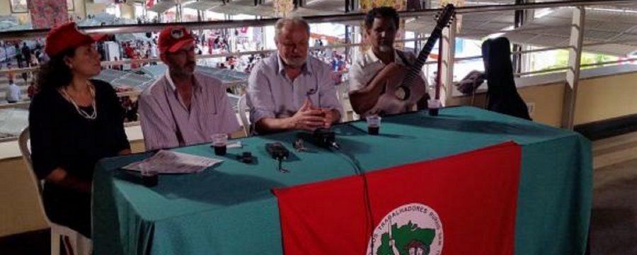 MST ameaça retaliações caso governo autorize compra de terras por estrangeiros