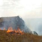 Mais de 21 mil hectares da Serra da Canastra queimam em incêndio