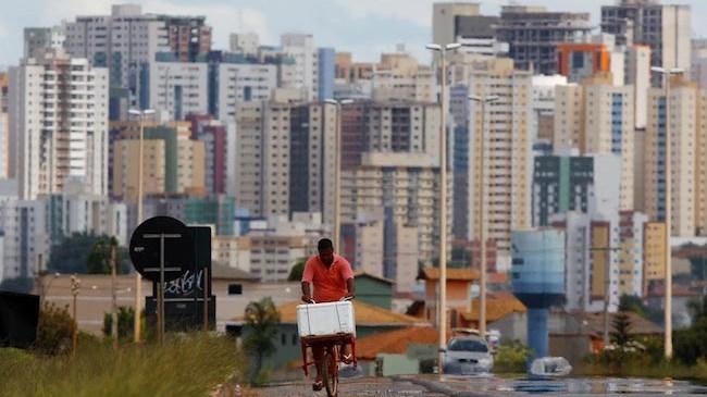Inspeção aponta 'falhas graves' no asfalto de Águas Claras, no DF