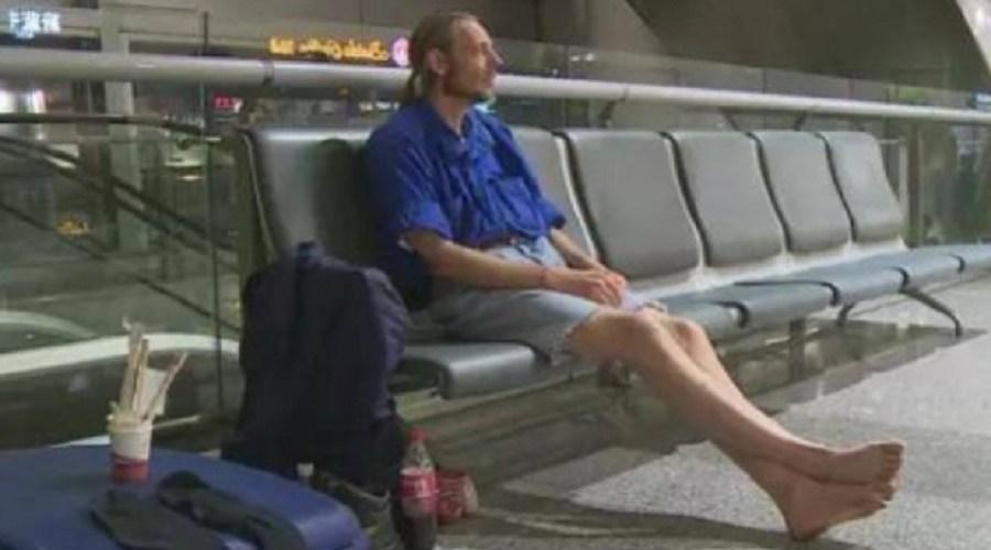 Holandês é internado após viajar 4.500 km e levar 'toco' de namorada chinesa