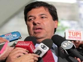 Ministro da Educação comete erro crasso de português
