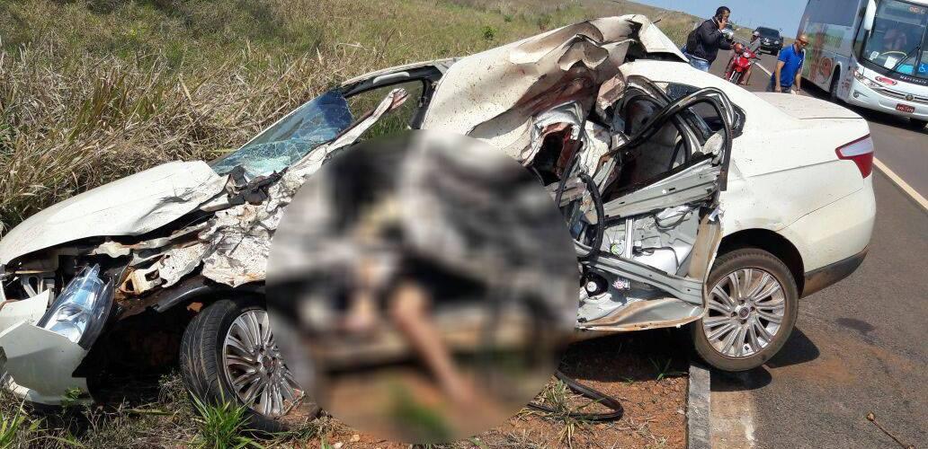 Acidente com dois carros deixa um morto e 5 feridos em rodovia no PR