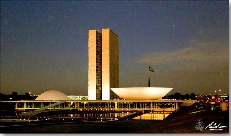 Governo federal economiza R$ 1,8 bilhão em 12 meses