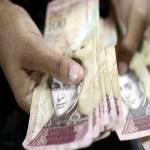 Venezuelanos já pesam dinheiro ao invés de contar notas