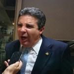 Ex-senador tem CNH e passaporte suspensos para quitação de dívida