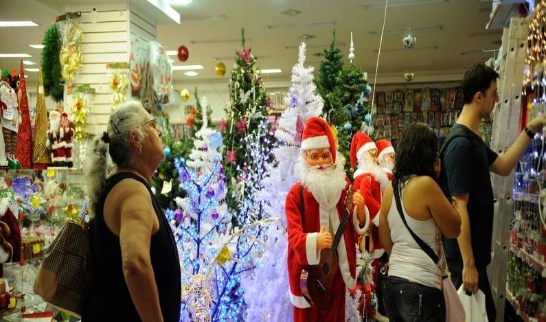 Varejo deve terminar ano com queda recorde nas vendas, aponta IBGE