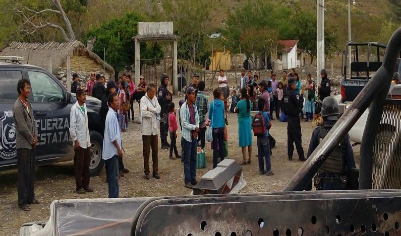 Cabeças humanas e 32 corpos são encontrados em valas no México