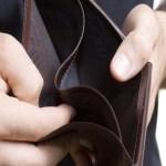 Pesquisa revela que 81% dos brasileiros vão quitar dívidas com 13º