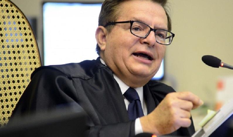 """Ministros do STJ batem boca em julgamento da Vasp """"Zumbi é vossa excelência"""""""