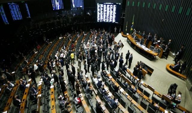 Candidatos defendem lei de abuso aprovada na Câmara