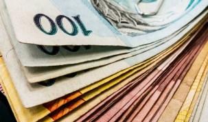 Salários de servidores da educação e segurança são pagos no Rio