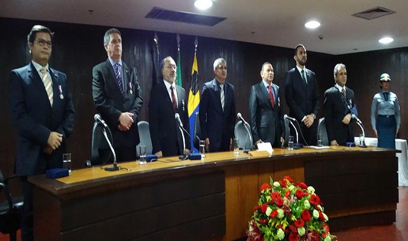Magistrado do Trabalho do TRT 14 recebe Medalha do Mérito Governador Jorge Teixeira