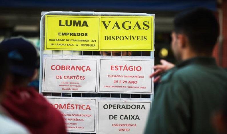 País deve criar 1 milhão de vagas formais em 2018, diz consultoria