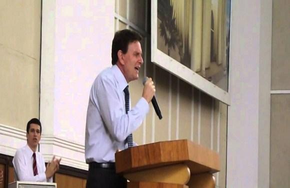 Mistura entre política pública e religião precede gestão Crivella no RJ