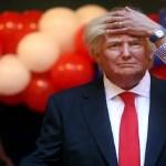 """Ativista ataca """"partes baixas"""" de estátua de Trump em Madri"""