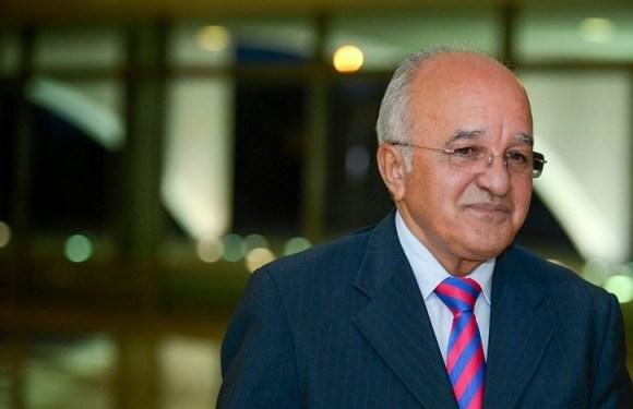 Ex-governador do AM deixa presídio para cumprir prisão domiciliar
