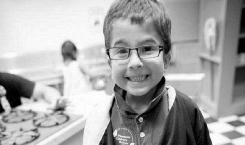 Pais rezam ao invés de chamarem médico e criança de sete anos morre