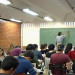 Menos da metade dos municípios declararam cumprir o piso dos professores em 2016