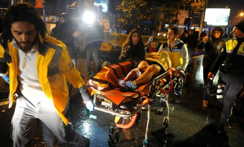 Atirador mata 39 e fere 69 em casa noturna na Turquia