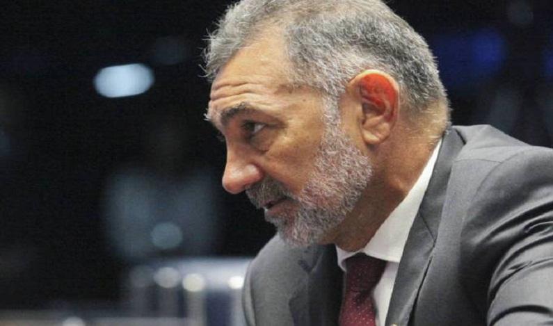 PDT decide expulsar senador por votar a favor da PEC do teto