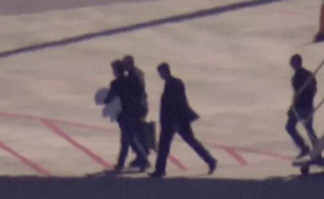 Eike Batista foi algemado no avião, afirma passageiro