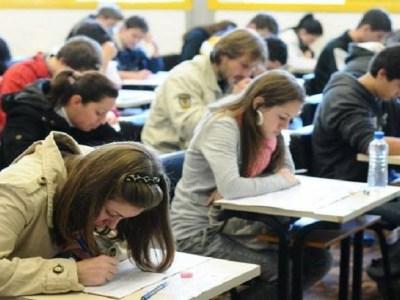Apenas 77 estudantes obtiveram nota máxima na Redação do Enem