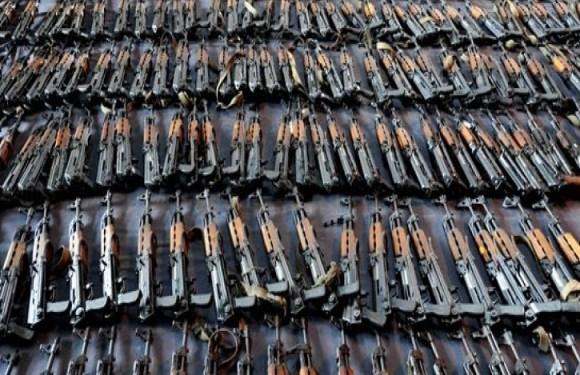 PCC envia armas para facção aliada no RJ após mortes em presídios