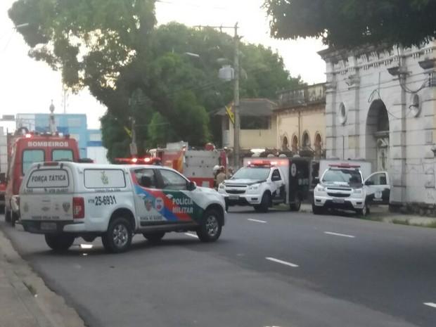 URGENTE: Nova rebelião Manaus, presos arrancaram coração de colegas; familiares protestam