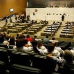 Assembleia de SP concede gabinete extra para ex-dirigentes